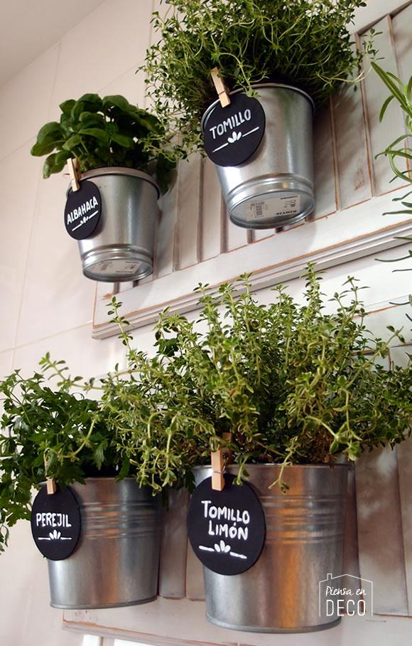 Mini jard n de arom ticas en la cocina piensa en deco - Jardin de aromaticas ...
