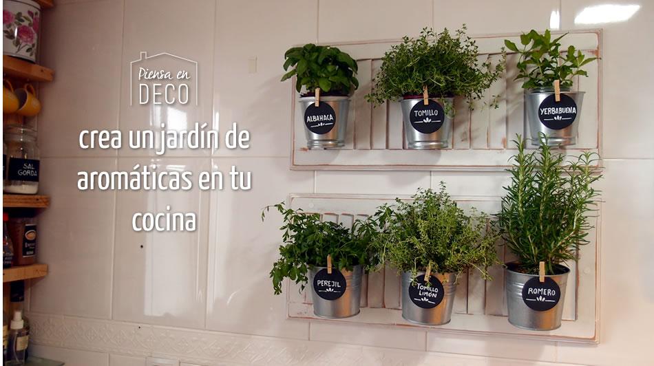 Cajas de fruta diy crea tus propias cajas piensa en deco for Jardin vertical cocina