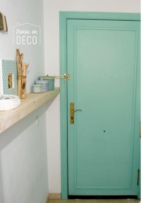 puerta principal color turquesa